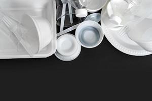 grupp av produkter tillverkade av plast och skum foto