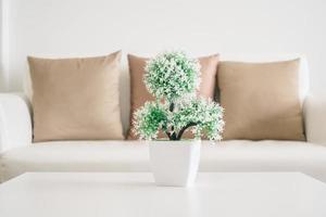 vasväxt på bordet foto