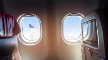 vacker utsikt från affärsklass av flygplan foto
