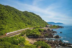 landskap av Beiguan tidvattenpark i Yilan, Taiwan foto