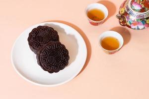 kinesisk månekaka mörk choklad smak för mitten av hösten festival foto