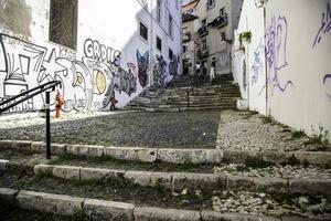trappor i alfama-distriktet, Lissabon foto