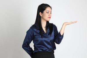 asiatisk kvinna isolerad foto
