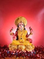 lakshmi - hinduisk gudinna, gudinna lakshmi. gudinna lakshmi under diwali firande. indisk hindu ljusfestival kallad diwali foto