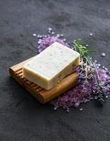 organisk tvål och lavendel foto