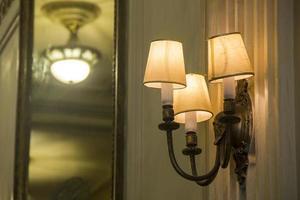 detaljer om antika ljuskronor foto