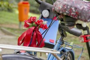 en cykel full av detaljer foto