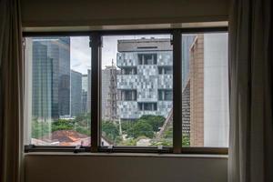 byggnader i mitten av Rio de Janeiro sett från en terrass i Rio de Janeiro Brasilien. foto