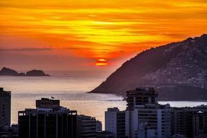 solnedgång på kullen av cantagalo foto