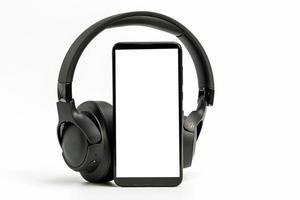 hörlurar med Bluetooth-teknik på vit bakgrund foto