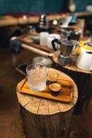 laga kaffe från maskinen hemma, espressokaffe göra kaffe från maskinen hemma foto