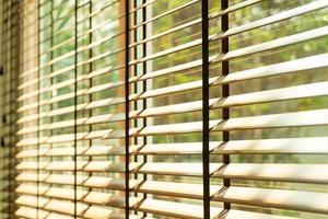 närbild bambu persienn, bambu gardin, kyckling, persienn eller solblind - mjuk fokuspunkt foto