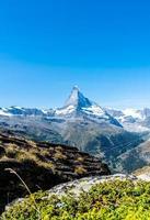 vackert berglandskap med utsikt över matterhorntoppen i Zermatt, Schweiz. foto