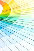 provfärgkatalog pantone eller färgprovbok foto