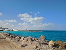 den vackra utsikten till Röda havet i Hurghada stad, Egypten foto