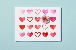 vackert handgjort kort med hjärtan foto