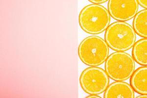 orange frukt mönster sammansättning. sommar hälsosam mat bakgrund. foto