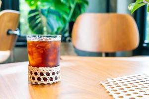 iced americano kaffeglas i kaféets restaurang foto
