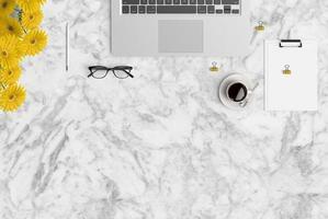 skrivbordsvy, sommar, gul blomma, ovanifrån, macbook foto