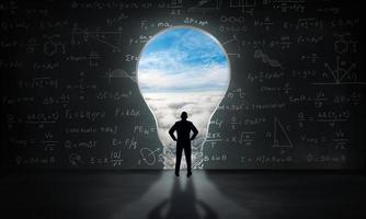 kreativ och innovationsinspiration. affärsidé ljus idé koncept. foto