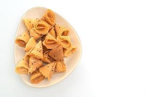 krispig kokosnötrulle - asiatiskt mellanmål foto