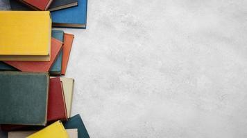 ovanifrån böcker med kopia utrymme. högkvalitativt vackert fotokoncept foto