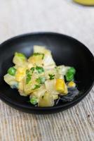 potatis- och majssalladskål foto