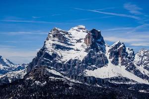 snötäckt Monte Pelmo foto