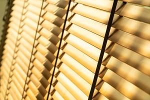 närbild bambu persienner eller persienner foto