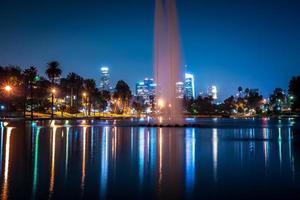 Los Angeles Kalifornien stadens centrum på natten foto