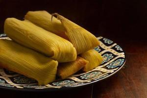 utsökt traditionellt tamales matsortiment foto