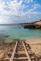 formentera beach of calo d es mort på balearerna foto