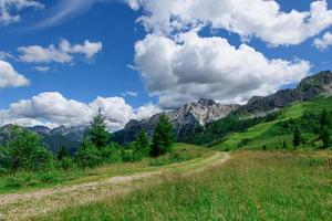 landskap av de orobiska prealpsna i Brembana-dalen Bergamo Italien foto