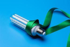 ekologisk ledd glödlampa för att spara energi foto