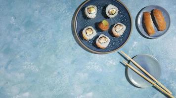 utsökt asiatisk mat med kopieringsutrymme foto
