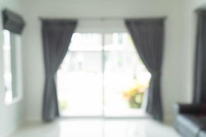 abstrakt suddig gardininredning på väggen i vardagsrummet foto