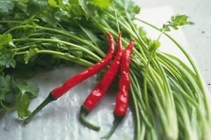 färska grönsaker fulla av näring foto
