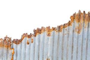rostig galvaniserat järnstaket konsistens isolerad på vit bakgrund foto