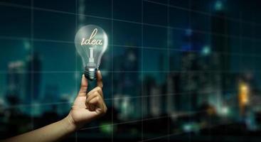 affärsljus idé, bra idé för framgång och koncept för blandade medier. foto