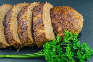 traditionell tysk köttfärslimpa foto