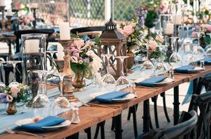 bröllop eller annan händelse dekoration blå installation, utomhus foto