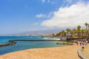 strandpromenad vid Atlanten vid Tenerife, på Kanarieöarna, 2014 foto