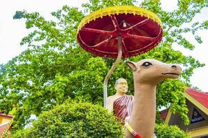 statyer vid Wat Phra Yai -templet på Koh Samui, Thailand, 2018 foto