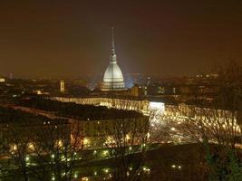 utsikt över Turin på natten foto