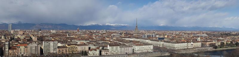 vid panoramautsikt över luften i Turin foto