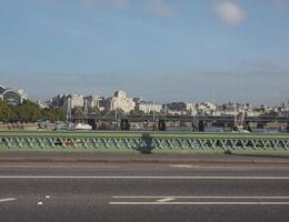 westminster bridge i london foto