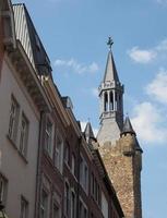 turm der alte pfalzanlage tower of old palatinate in aachen foto