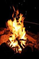 brinnande eld, mönster på natten foto