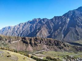 berg i georgien, höjd foto