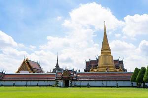 smaragdens buddhas tempel och det stora palatset i Bangkok, Thailand foto